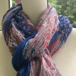 Scarf - 💕 Great for Summer Evenings Like New